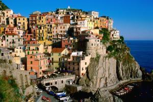 681x454 ITALIAN MOUNTAIN TOWN