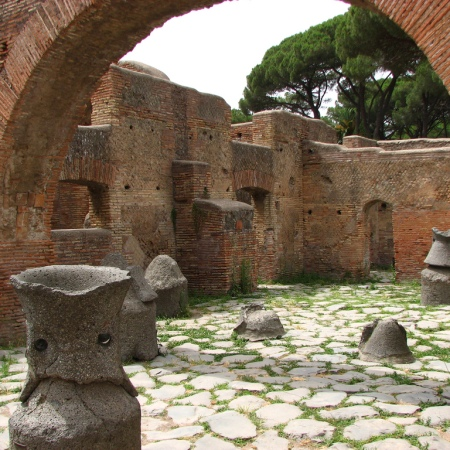 Ancient-Ostia-bakery-mills