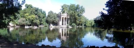 LAKE AT VILLA BORGHESE GARDENS