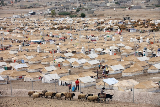 A general view of the Kawergost refugee camp in Irbil, 217 miles (350 kilometers) north of Baghdad, Iraq, Sunday, Sept. 22, 2013. . (AP Photo/ Khalid Mohammed)