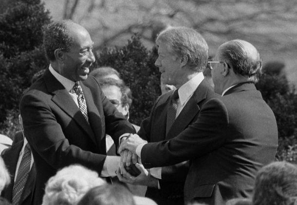 Egyptian President Anwar Sadat and Israeli Prime Minister Menachem Begin