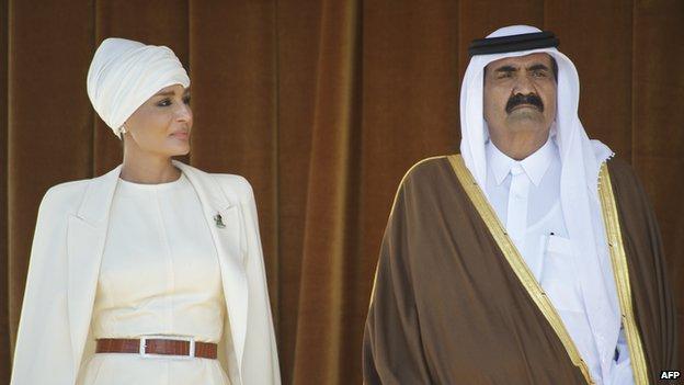 Sheikha-Moza-and-Hamad-Bin-Khalifa-Al-Thani-in-2011.j