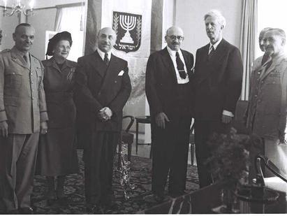 ISRAELI PRESIDENT CHAIM WEIZMANN (CENTRE), WITH JAMES (R) MACDONALD & COMMANDER & MRS. GOLDBERG (L);