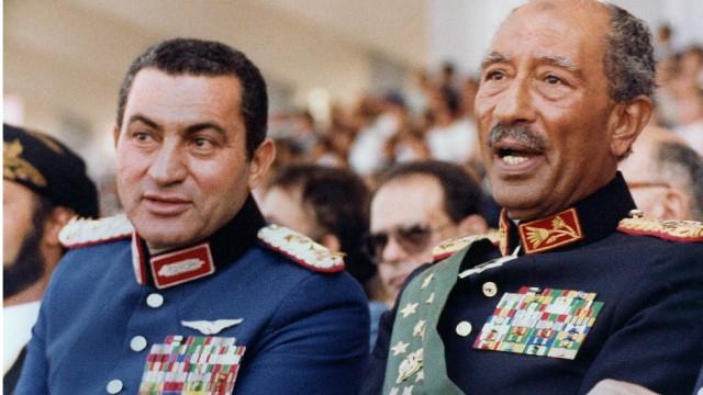 Egyptian former Presidents' Hosni Mubarak and Anwar Sadat
