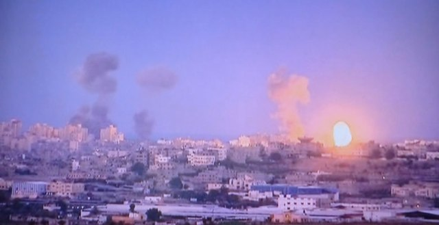 Israeli Army attacks Gaza