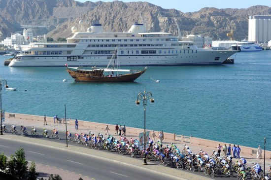 THE PELOTON IN MUSCAT ON STAGE SIX OF THE 2011 TOUR OF OMAN