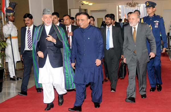 Islamabad-President-Asif-ali-Zardari-with-Afghan-President-Hamid-Karzai.