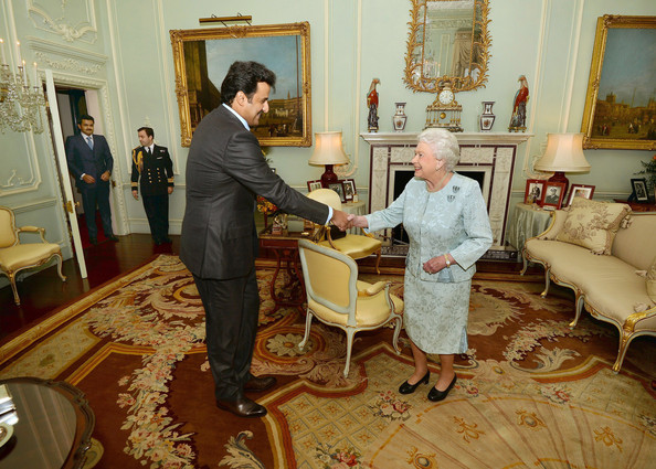 Queen Elizabeth and His Highness Sheik Tamim bin Hamad bin Khalifa al-Thani