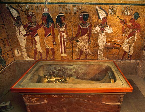 EGYPT King Tut-tomb-replica-Egypt_