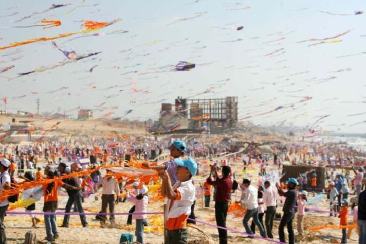 ISRAEL GAZA STIP KITE FLYING
