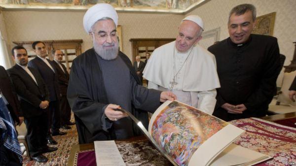 IRAN Rohani, Pope Francis Meet At Vatican, Exchange GiftsF92467B2-4E50-4F95-A8D4-39B1A1C41AE6_cx11_cy3_cw89_mw1024_s_n_r1
