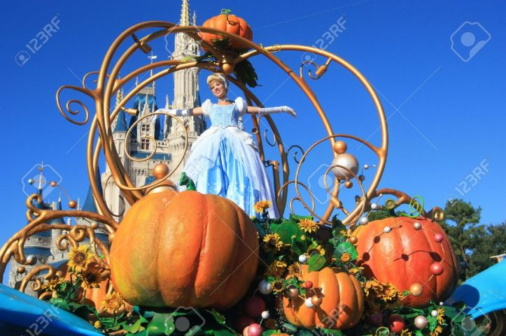 DISNEY 19777674-Cinderella-on-magic-Kingdom-parade-in-Disney-World-Orlando-Stock-Photo