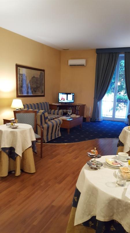 Massimo Plaza Hotel