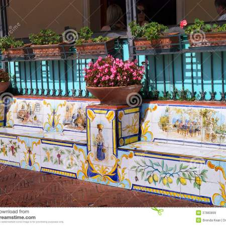 Ana Capri ceramic seats