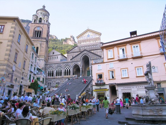 Café in the center of Amalfi facing the cathedral