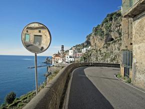 amalfi6 dangerous roads 90