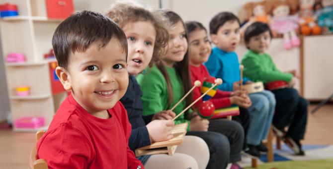 education prek kids-music-class