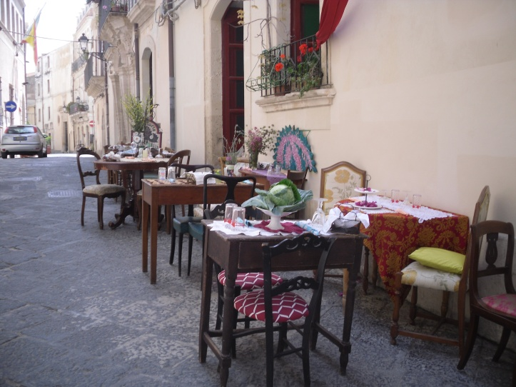 ITALY 1 207