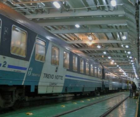 italy intercity trainFerrytrain-to-Sicily-600x501