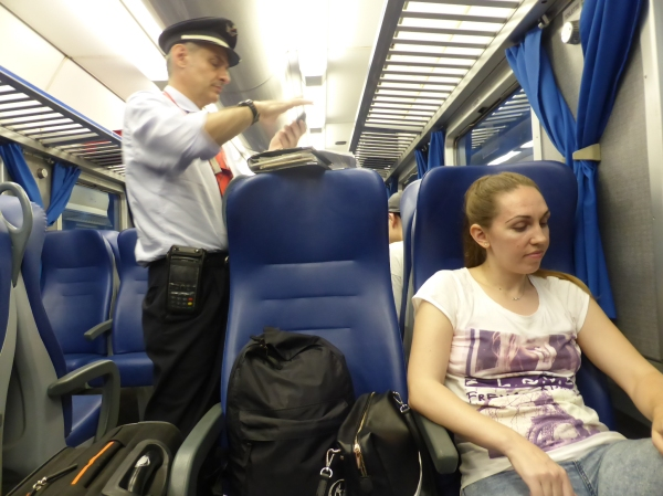 italy train conductor P1070191