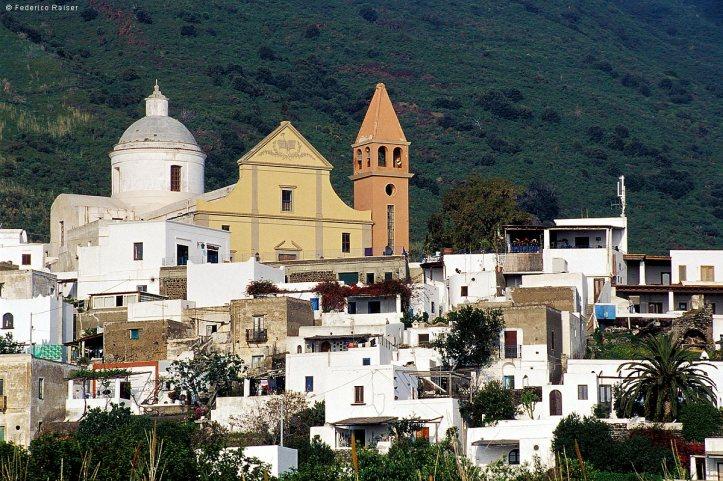Stromboli-6 town