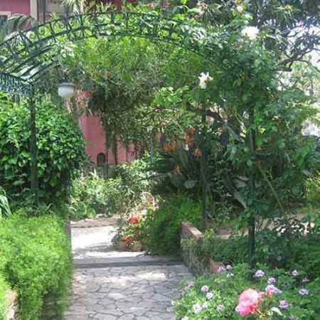 Villa Schuler garden