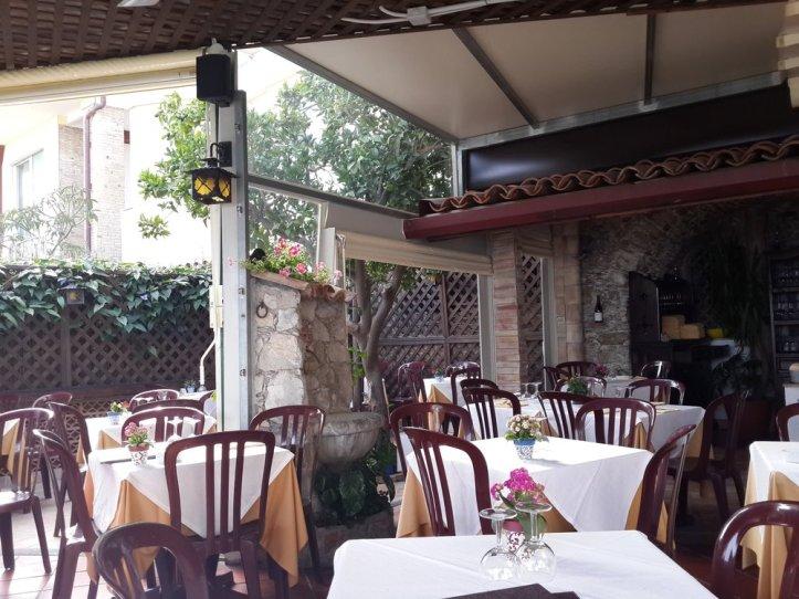 Taormina terrace food