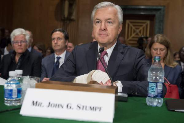 bank-good-photo-john-stumpfla-wells-fargo-ceo-john-stumpf-wre0041653143-20160920