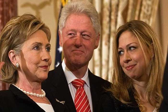 clinton-photo-of-family-1hillary