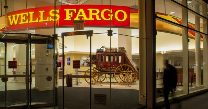 bank-carriage-photo-rs-wells-fargo