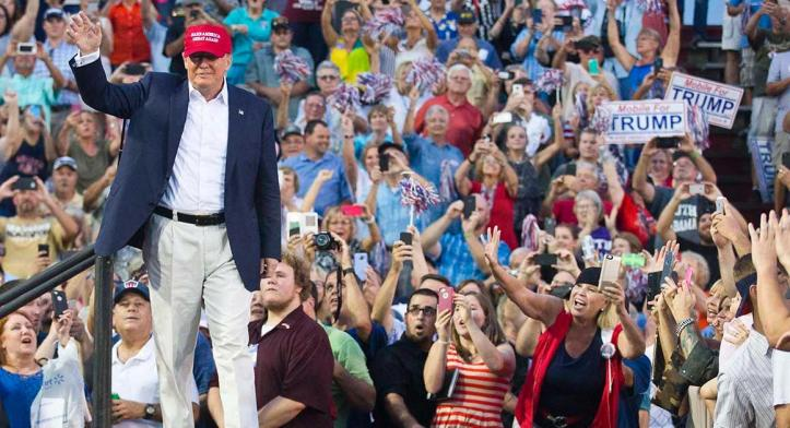 clinton-897-trump-rally