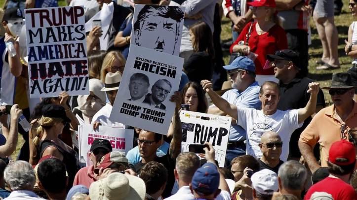 clinton-a_ov_trump_protestors_160321-nbcnews-ux-1080-600