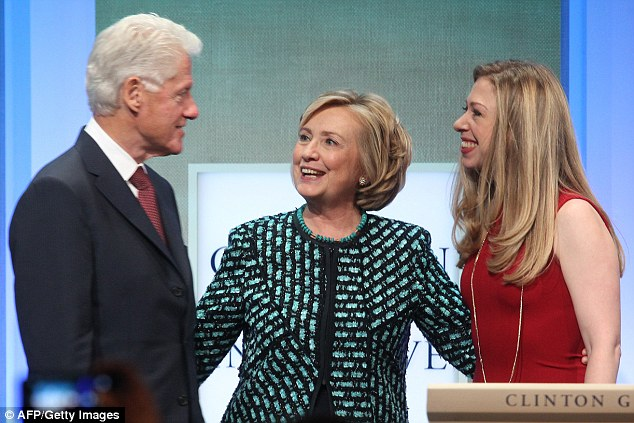 clinton-great-pix-of-family-w-chesea-2cf14abd00000578-3255198-image-a-3_1443637813600