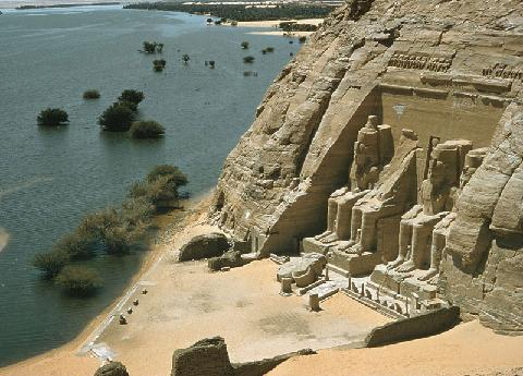 israel-abu_simbel_on_the_west_bank_of_the_nile_south_of_aswan